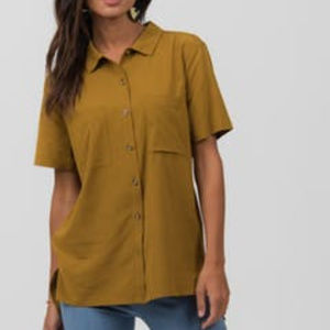Agnes & Dora wheat button down blouse